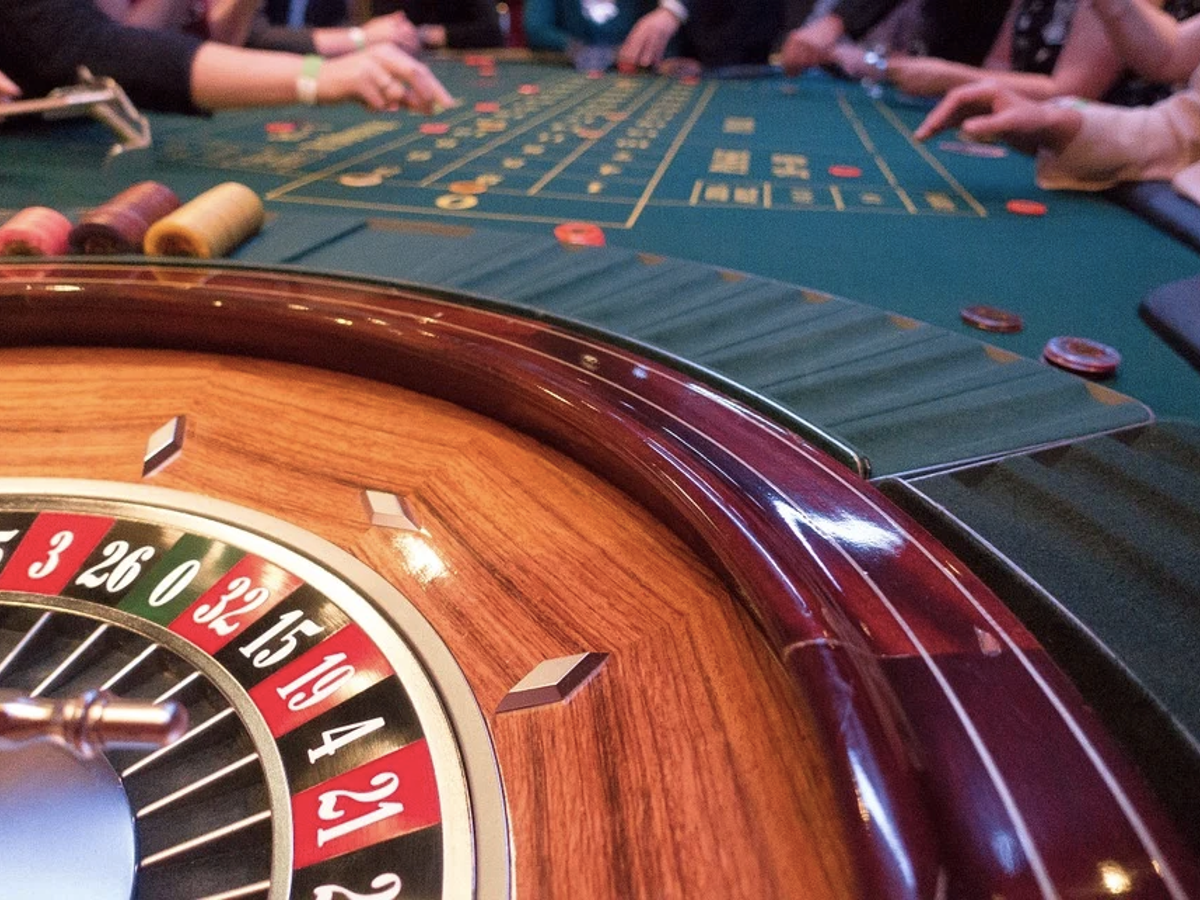 blog post - 5 Games to Play in an Online Casino if You're Bored